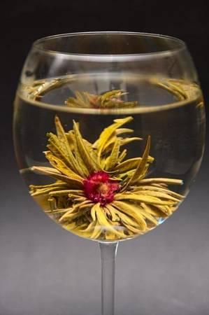 Herbata zielona kwitnąca GREEN LICHI BALL